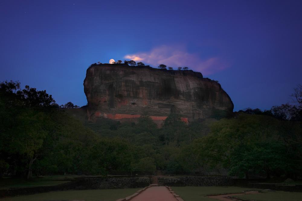 Sigiriya-moon-upload-801-BrandingFree-MidRes.jpg