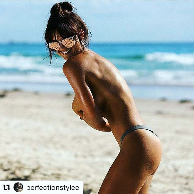 #Repost @perfectionstylee  I hope you're having an awesome day!  Glowing in the sun... Having fun! 🎉🎆🌟💫🌞🌞 #gevitta #glowbygevitta #sexy #shine #fitgirl #losangeles #healthy #sun