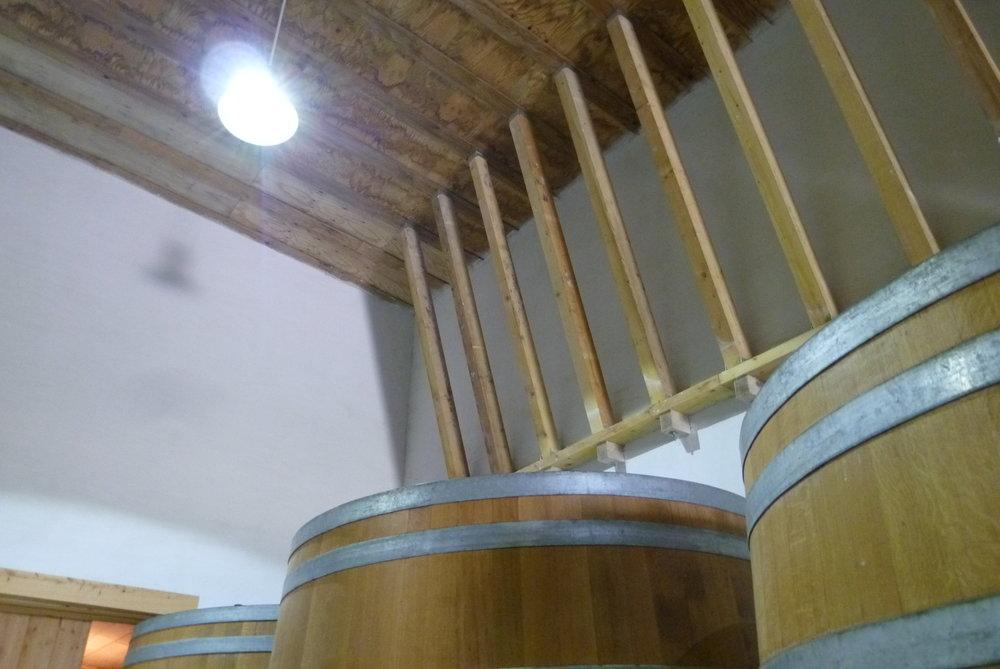 Maris hemp cellar   untreated wood structure - Jacques Herviou.JPG