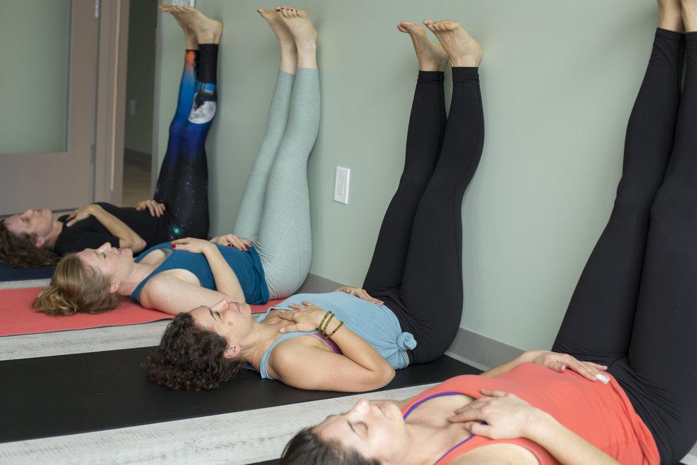 dc-md-va-bachelorette-yoga-photography.jpg