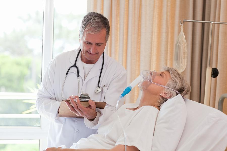 bigstock-Doctor-examining-his-patient-13802888.jpg