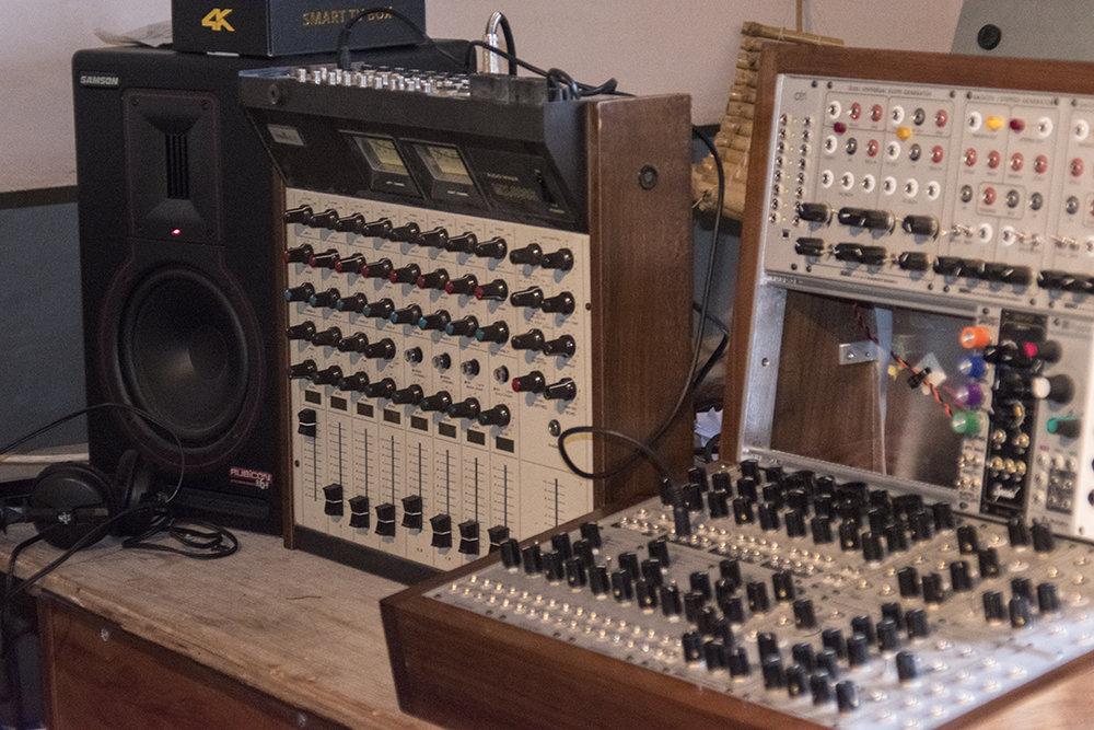 mixer_standing2.jpg