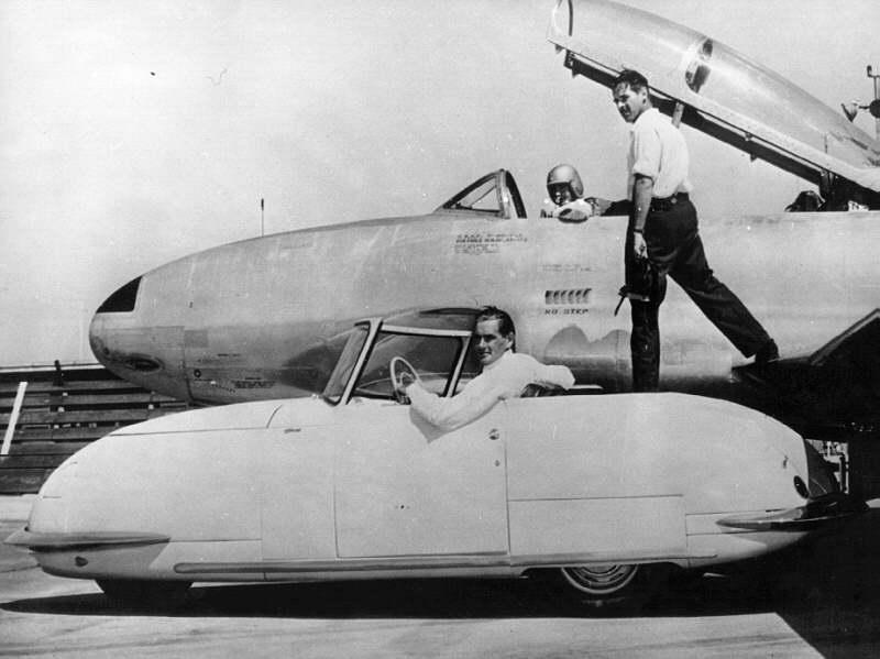Davis 1948 with jet.jpg