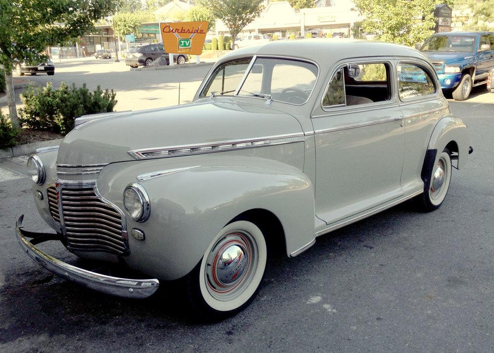 1941-white-Chevrolet-front.jpg