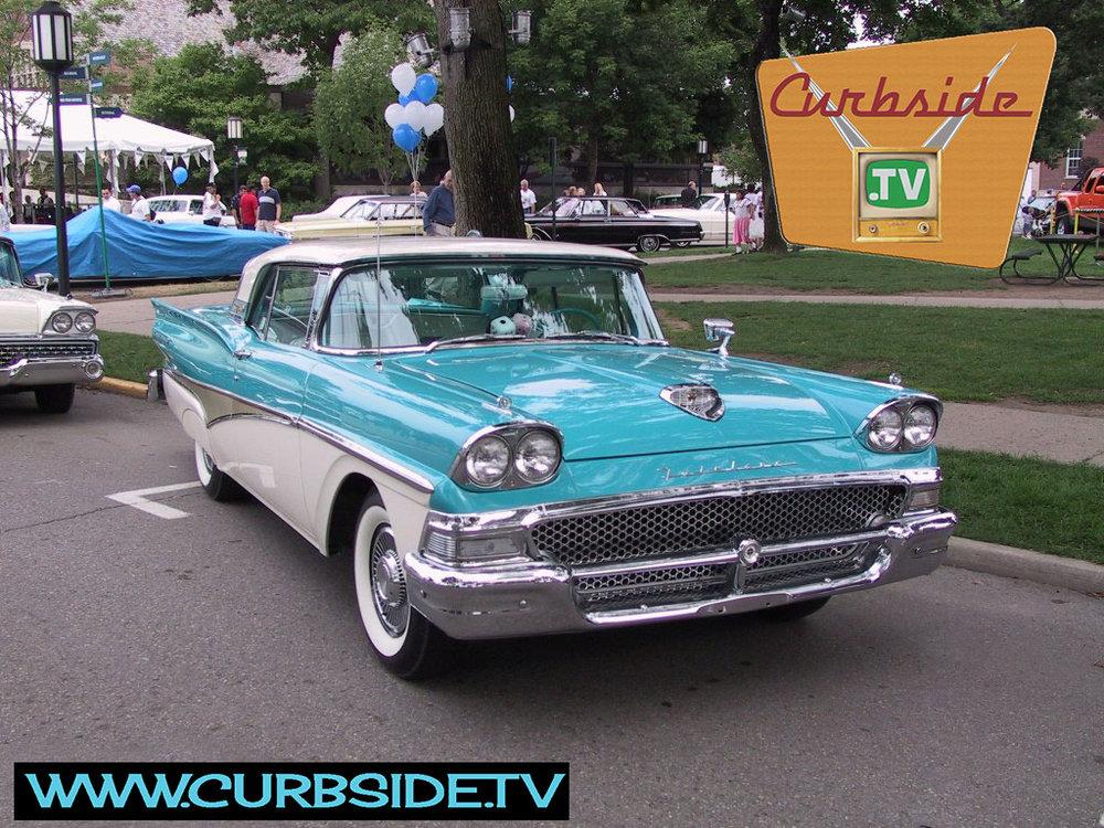 Ford-Fairlane-1958.jpg