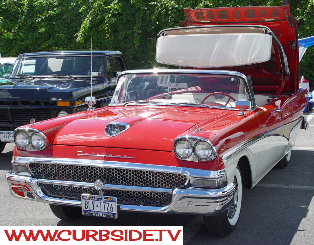 Ford-Fairlane-Convertible-1958.jpg