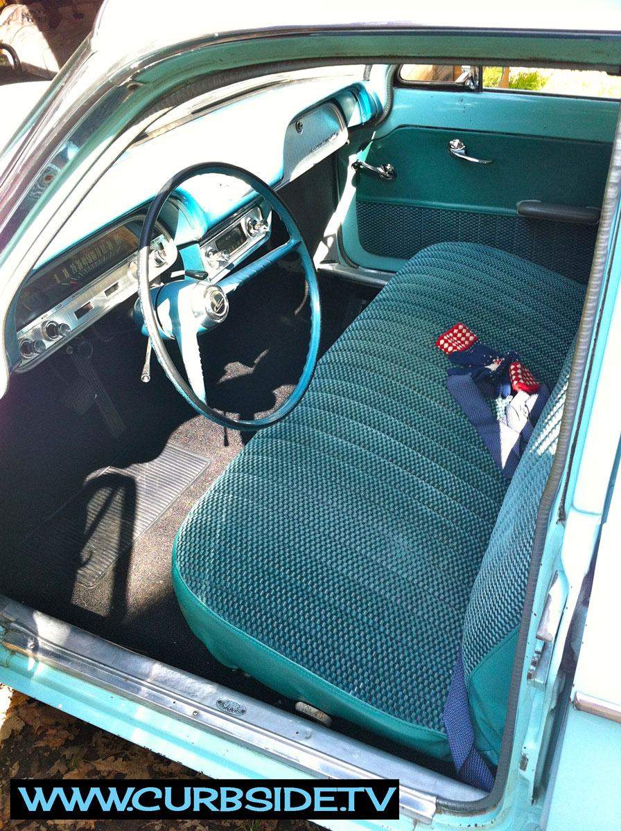 Corvair-Wagon-interior-front.jpg