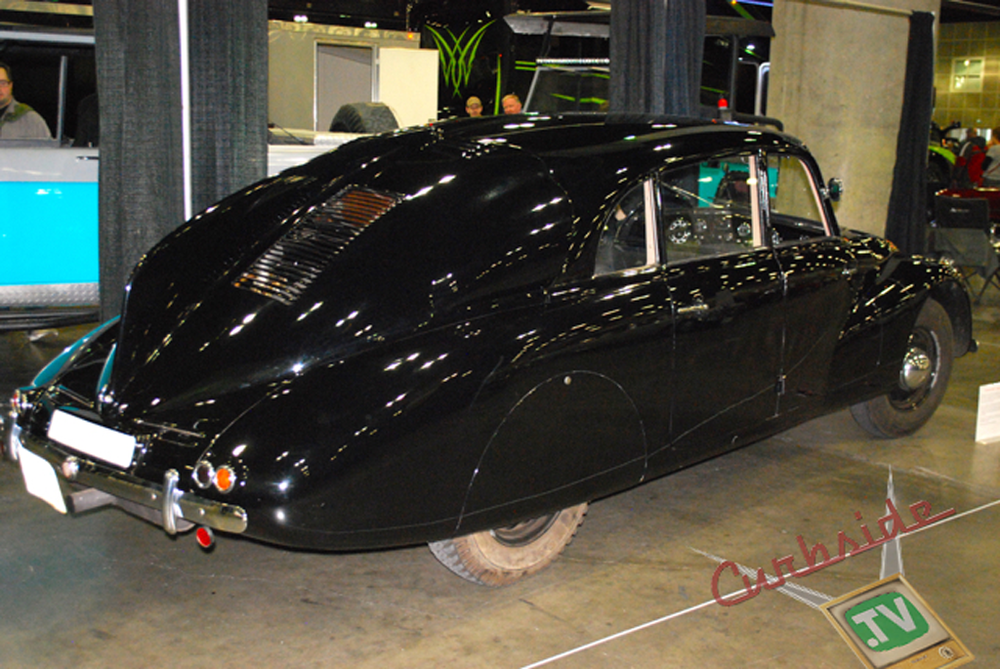 Classic-Car-Show-08.png