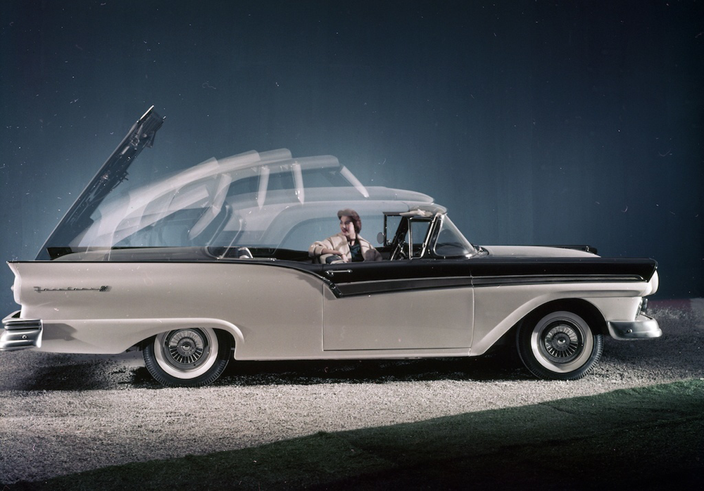 1957-Ford-Skyliner-top-op.png
