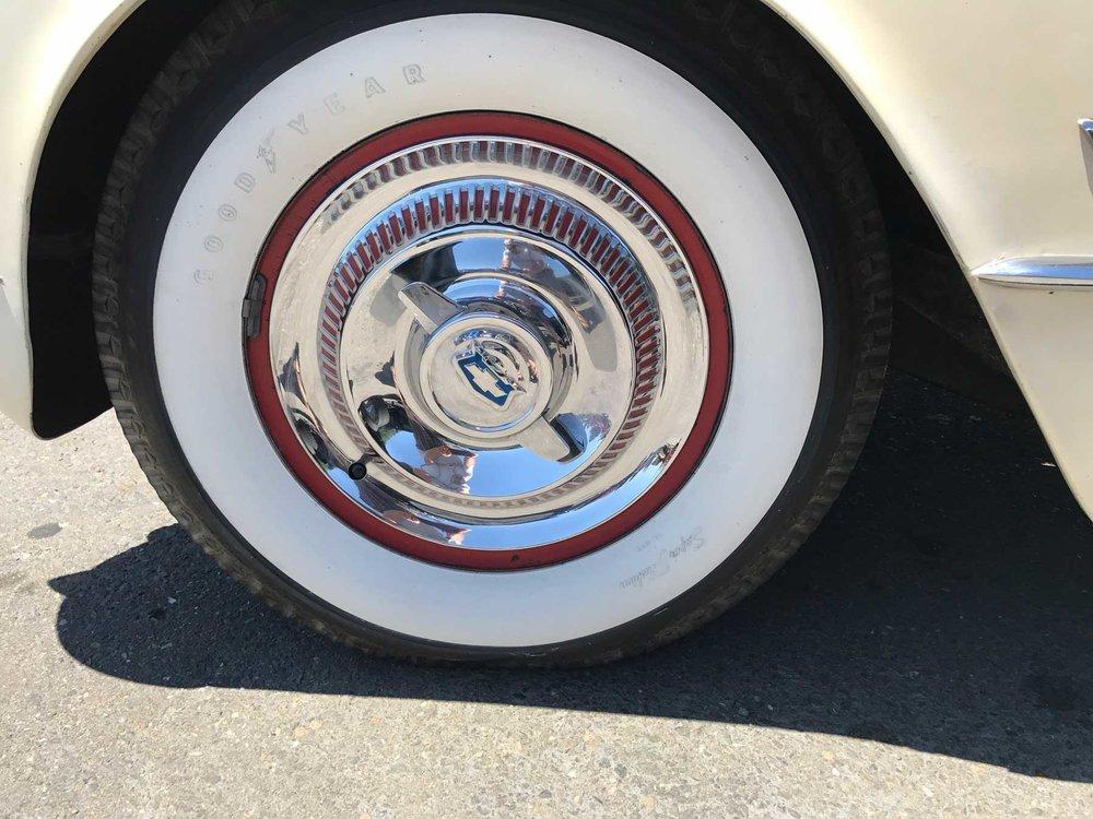 1953-55-Corvette-wheel.jpg