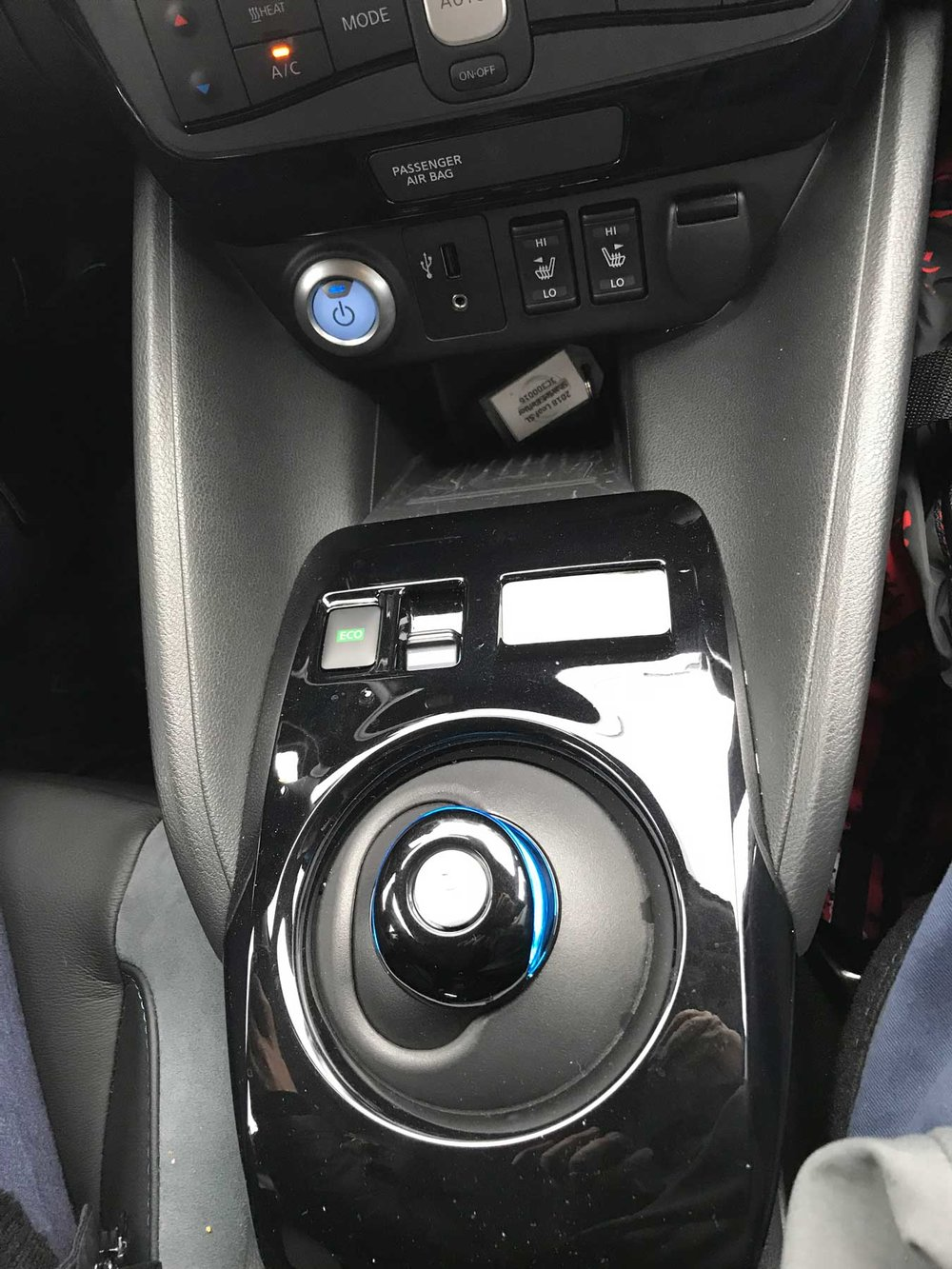 Nissan Leaf controls