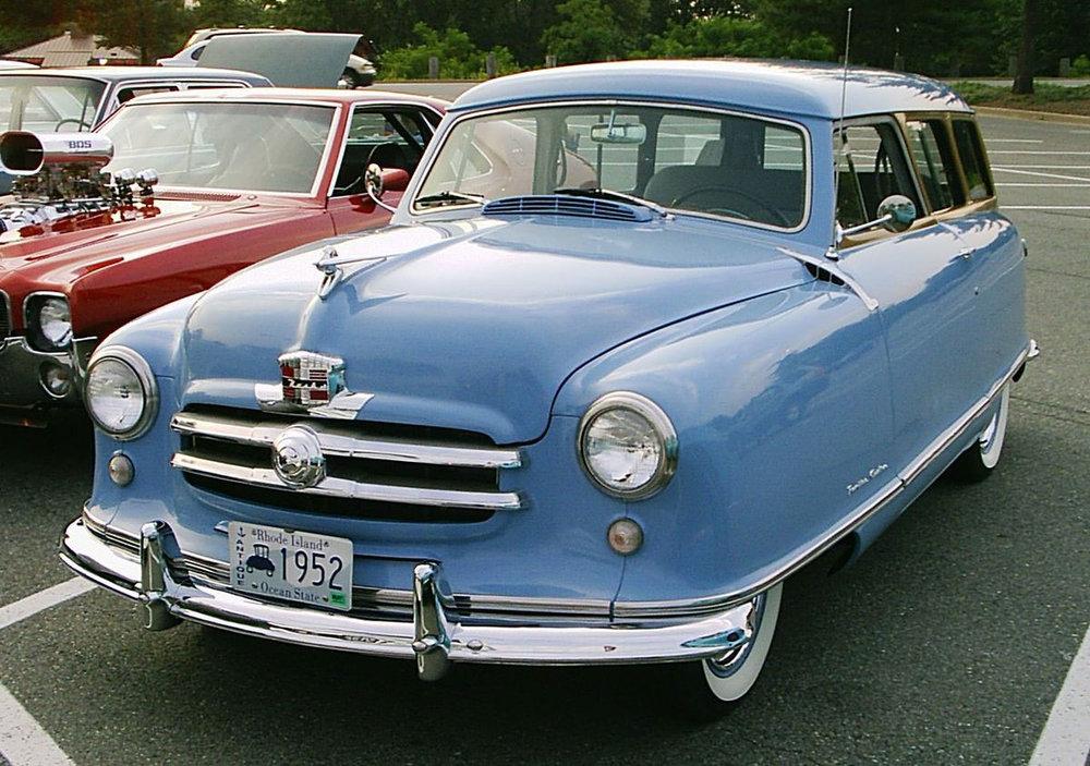 1200px-1952_Nash_Rambler_blue_wagon_front.jpg