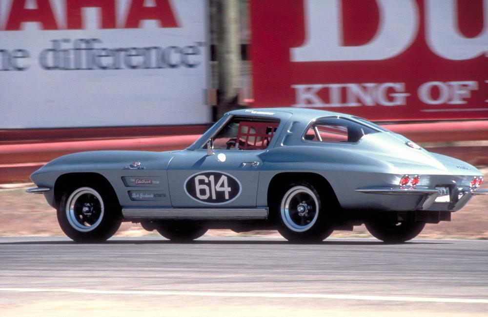 1963-Chevrolet-CorvetteZ06inRaceTrim.jpg