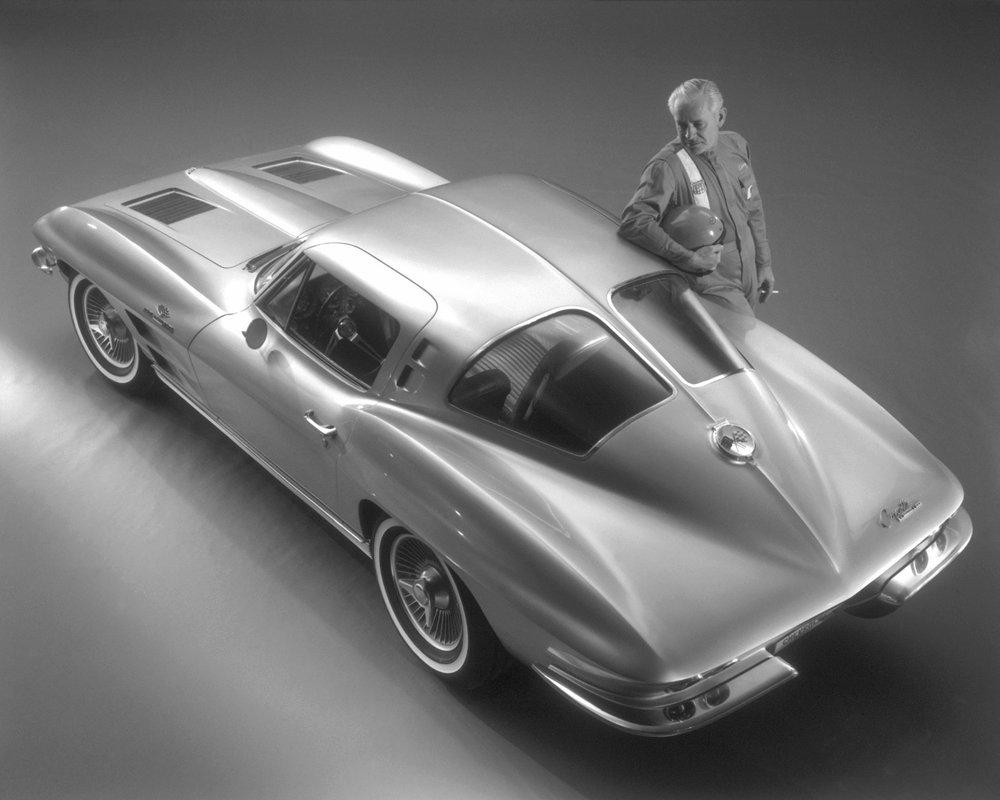 1963-Corvette-w-racer.jpg