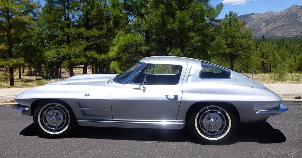 Corvette-in-the-mountains.jpg