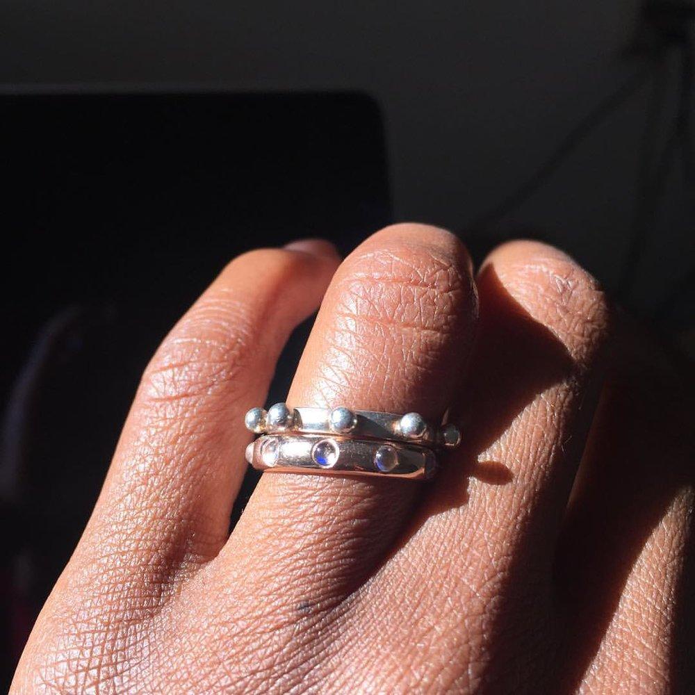 Sunlight. Mmmmmh. 😑😑😑 Japa Rings on the website. Link in bio. #charltonandlola #japarings #rosegold #moonstone #14kgold #positiveenergy (at Diamond District)