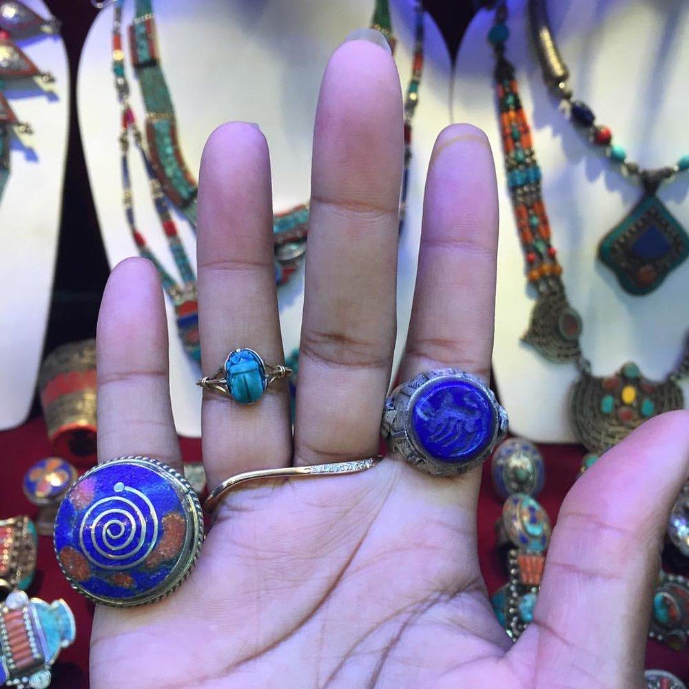 Flashback to Treasure Hunting Last Sunday at Chatuchak Weekend Market. This Afghani dealer has some wonderfully interesting jewelry I played with. #jewelryaddict #jewelrylover #sundayfunday (at Bangkok, Thailand)