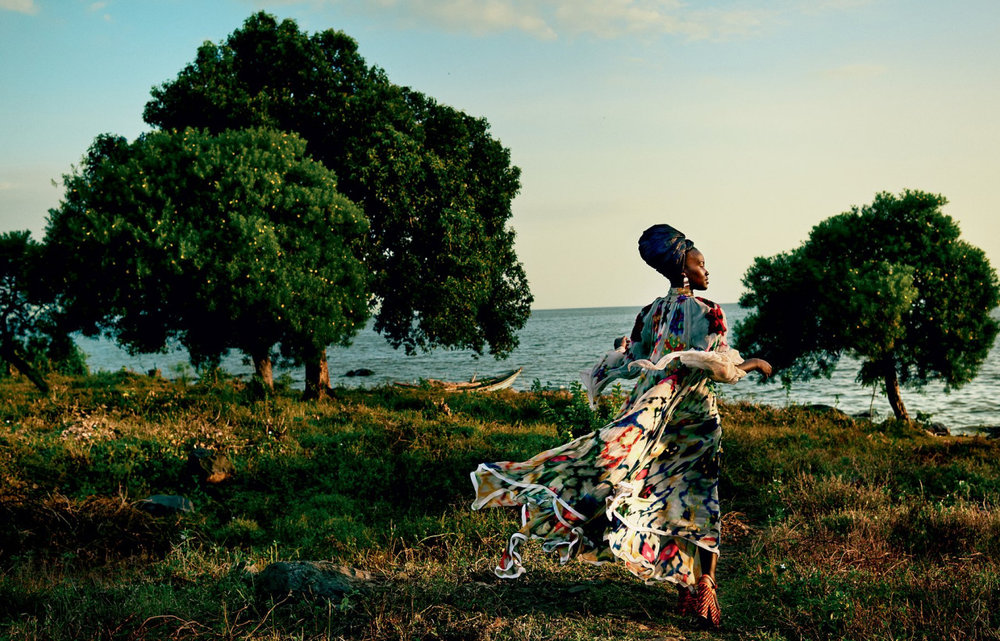 """Golden Hour"" Lupita at Dunga Beach. (Image: Vogue, Mario Testino)"