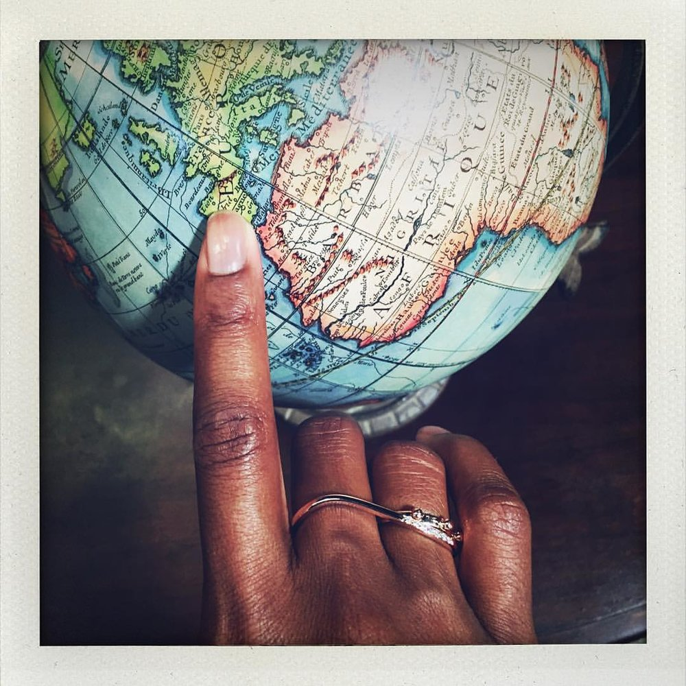 Ou est mon Afrique? I love a good globe. I've been searching for an antique one for ages. #oldworld #charltonandlola #stacksarethenewblack #showmeyourrings #theworld (at Asheville, North Carolina)