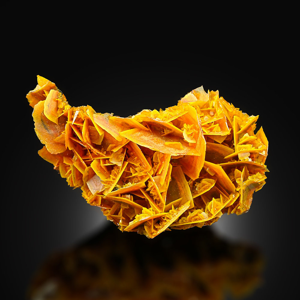 ifuckingloveminerals: Wulfenite Urumqi, Kuruktag Mountains, Xinjiang, China