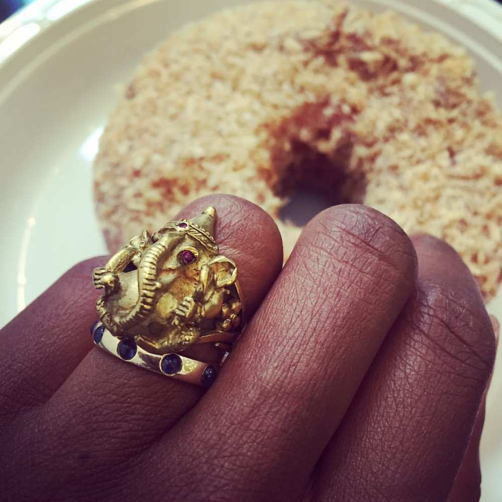 """""""Waiting on Godot"""" Not my brightest breakfast idea…I need to learn to eat fruit or something. Sigh. Work with me Ganesh. #removerofobstacles #thisdoughnut #lifegoals #everydaystyle #showmeyourrings #jewelryoftheday #stackingrings #breakfastmeeting #girlboss (at Dean & Deluca Cafe)"""