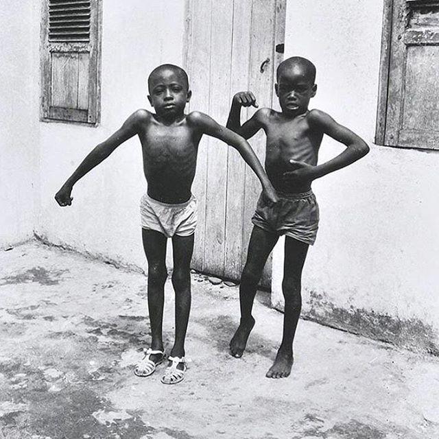 #mondaymotivation #Repost @artnewsafrica ・・・ © Jean Depara, Les enfants dans les rues de Kinshasa, 1970 #jeandepara #kinshasa #hustleandgrind #loveart #confident (at New York, New York)