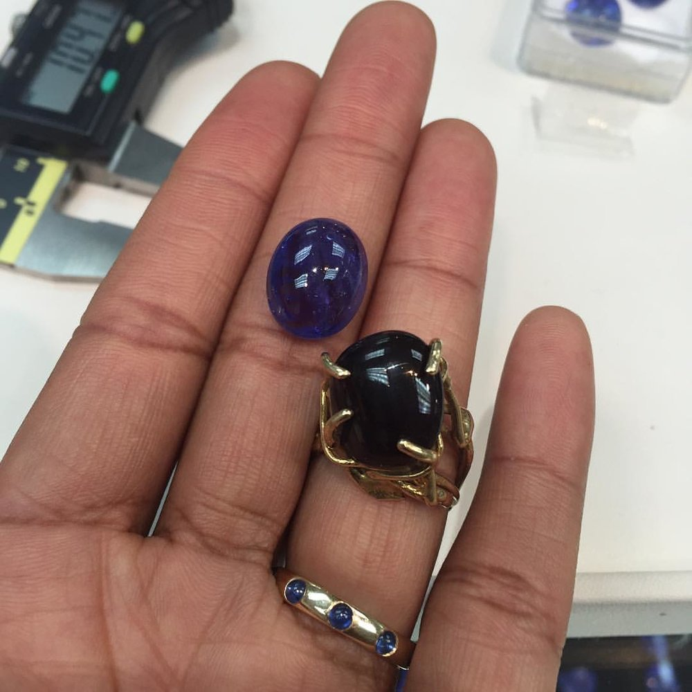 Client Shopping. Good job. Love your passion. #tanzanite #gemstones #dreamers #igjewels (at New York, New York)