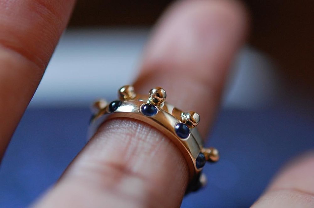I like things tactile including my rings, my rocks and my men. About dat life. The 14k gold Japa ring and the 10k sapphire gemstone Japa ring. I know you can feel it from here. Website link 👆🏿. #feelit #girlbossvibes #stack #charltonandlola #stackingrings #showmeyourrings #jewelryaddict #jotd #everydaystyle #spiritjunkie #crystallover #touchme #meditate #freespirit #tribe #oprah #thursdaythoughts #lolamusings (at New York, New York)