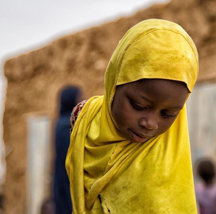 Everyday Africa. #Repost @everydayafrica with @repostapp ・・・ A little girl cover with a burka-Selibaby-Mauritania. Photo by @bechir_malum - https://bechirmalum.wordpress.com