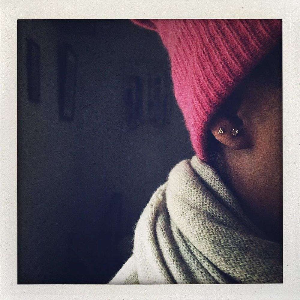 The air sure is crispy! Winter Solstice is almost upon us! (@charltonandlola rose-cut diamond earrings x @newyorkadorned studs) #winter #mood #cosy #wintersolstice #lovegold #18k #diamondstuds #madeinnyc (at New York, New York)