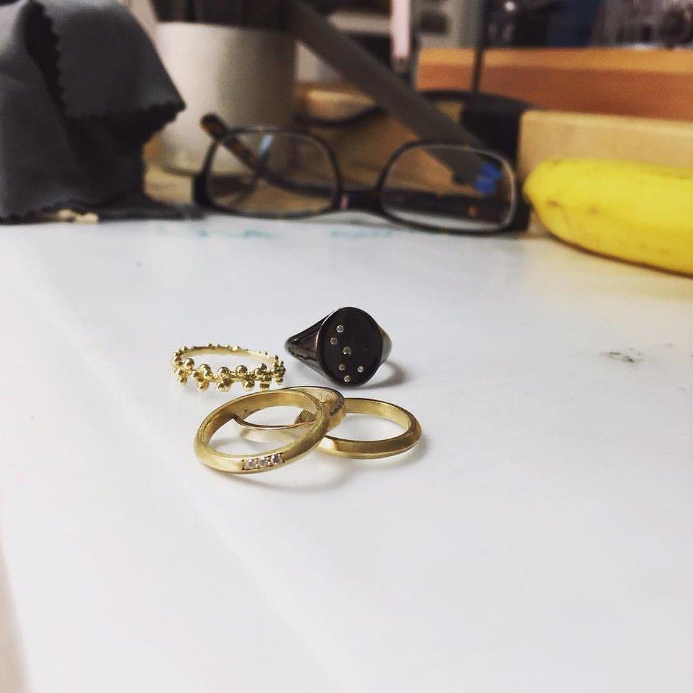 #repost Today's ring game. #charltonandlola @tiger_elily #ringstacks #diamondrings #lovegoldlive #atwork #atstudio #nightlife (at New York, New York)