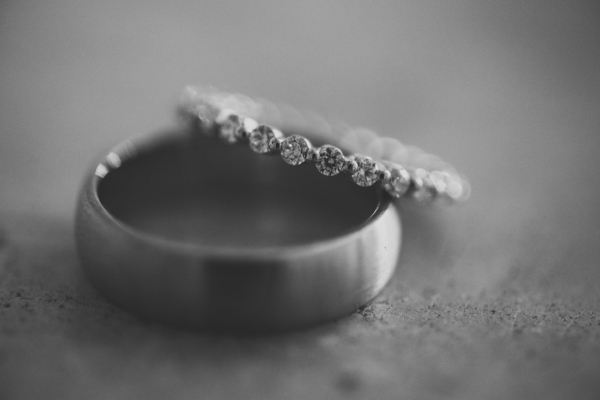 Platinum Wedding Bands ((Image By: Love Life Images: Dag D'Agostino)
