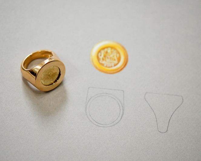 18K Yellow Gold Men's Signet Ring