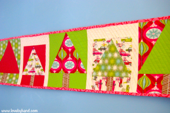 quick christmas table runner