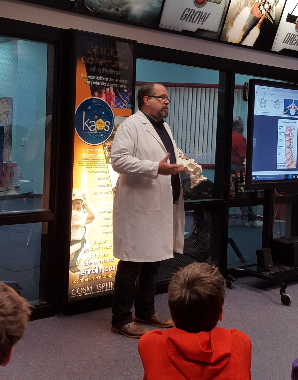 Hutch Clinic Surgeon Explains Weightlessness Effects In Space