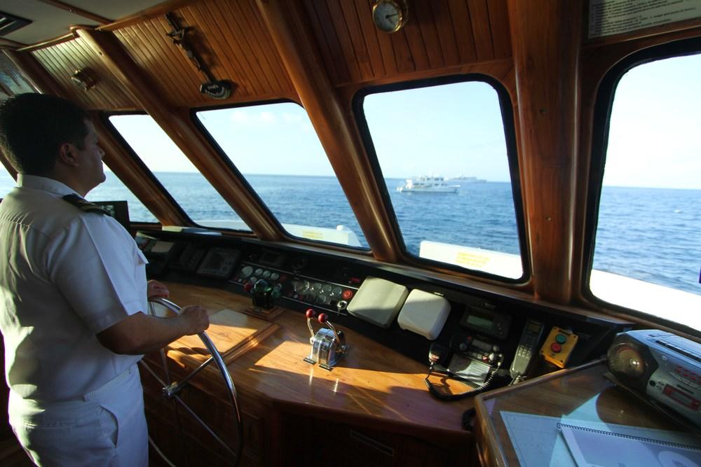 Bridge TT III + captain (7).JPG