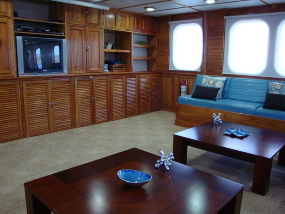 Living Room TT IV.JPG