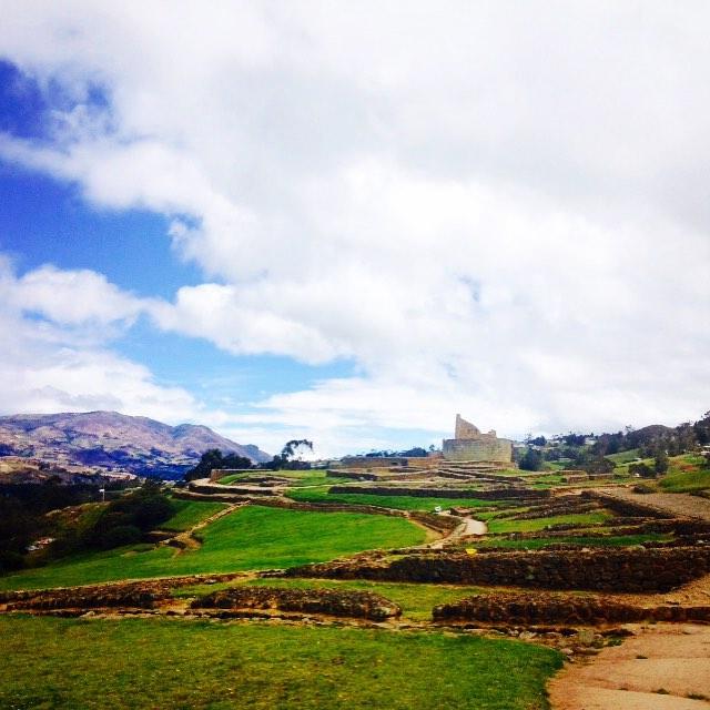Largest #Inca ruins in #Ecuador 🐢🙌🏽👌🏽 #Ingapicra