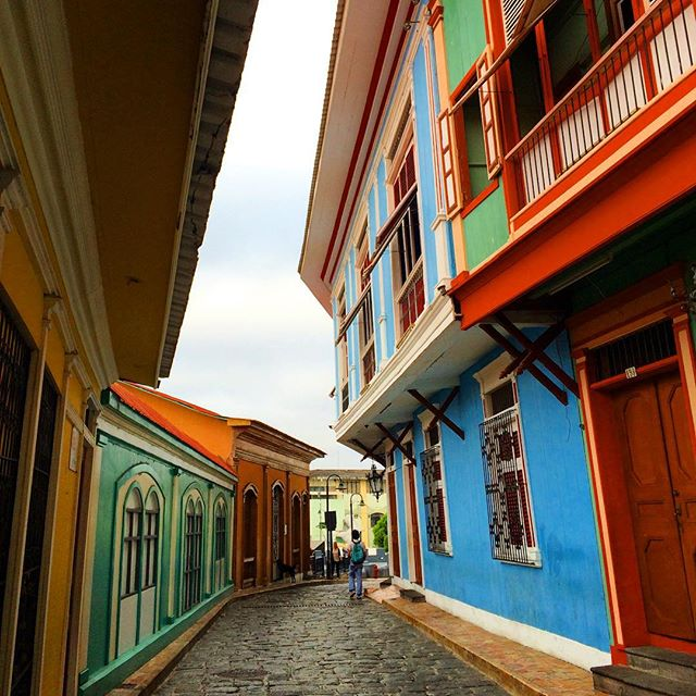 Early morning exploring in Las Peñas, Guayaquil #laspeñas #guayaquil #colors