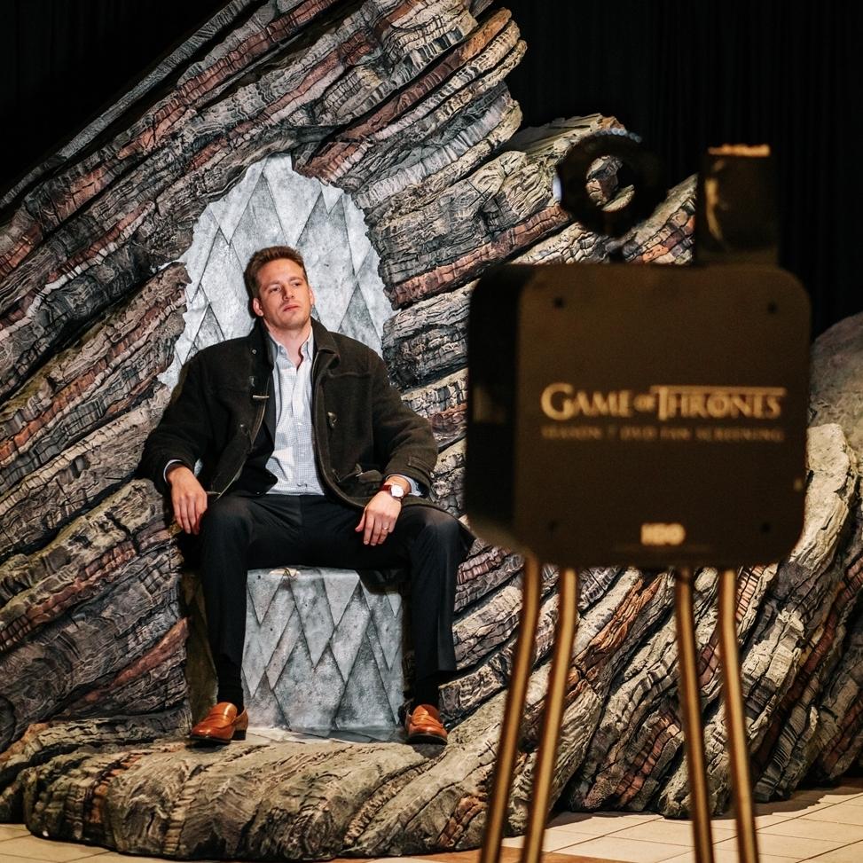 dragonstone-throne.jpg