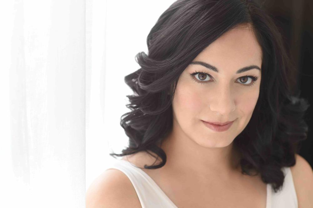 Nilsa Reyna Headshot 1 Resized.jpg