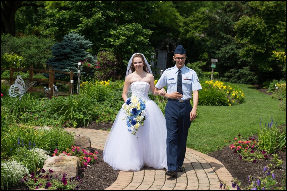 Avon Gardens Wedding Pictures-019.jpg