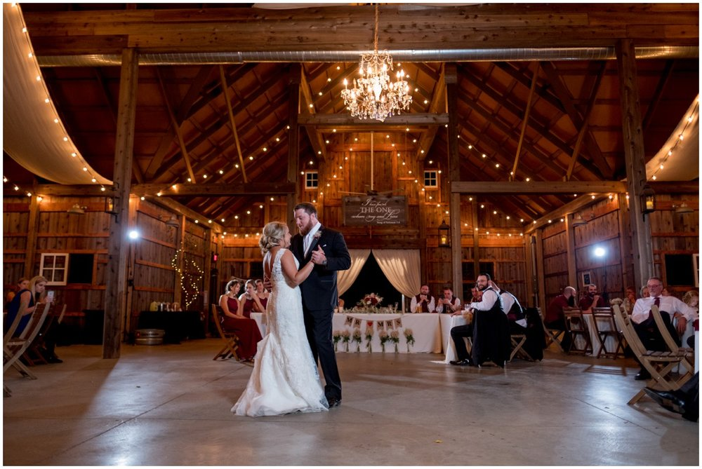 the barn at kennedy farms wedding pictures-026.jpg