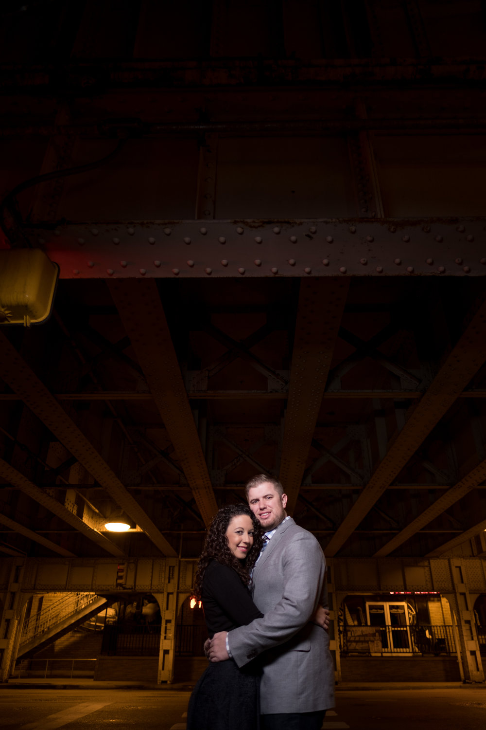Downtown-Indianapolis-night-engagement-pictures-13.jpg