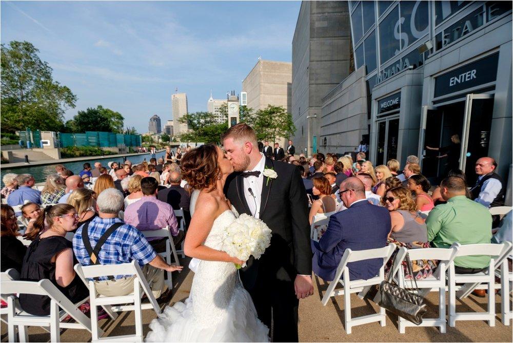 Indiana-state-museum-wedding-16.jpg