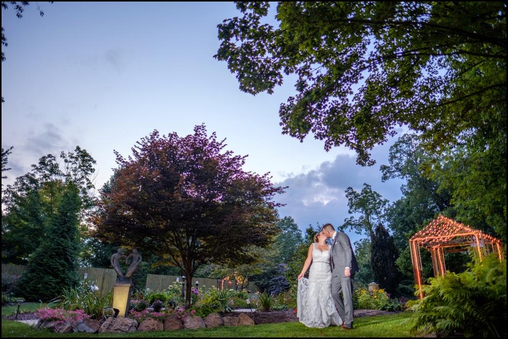 wedding-picture-at-Avon-Gardens-28.jpg