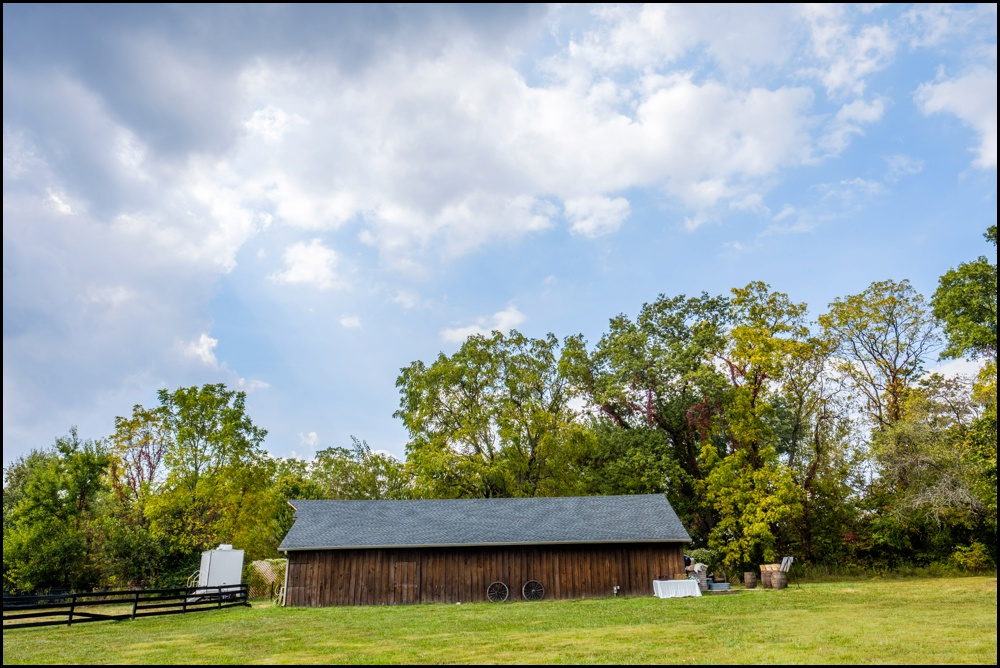 The-Barn-in-Zionsville-Wedding-Pictures_0003.jpg