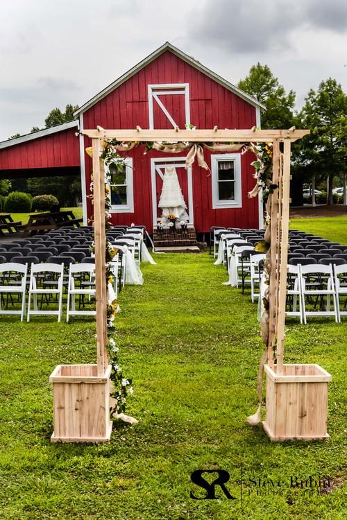 Hill Ridge Farm Barn Wedding Photo 1