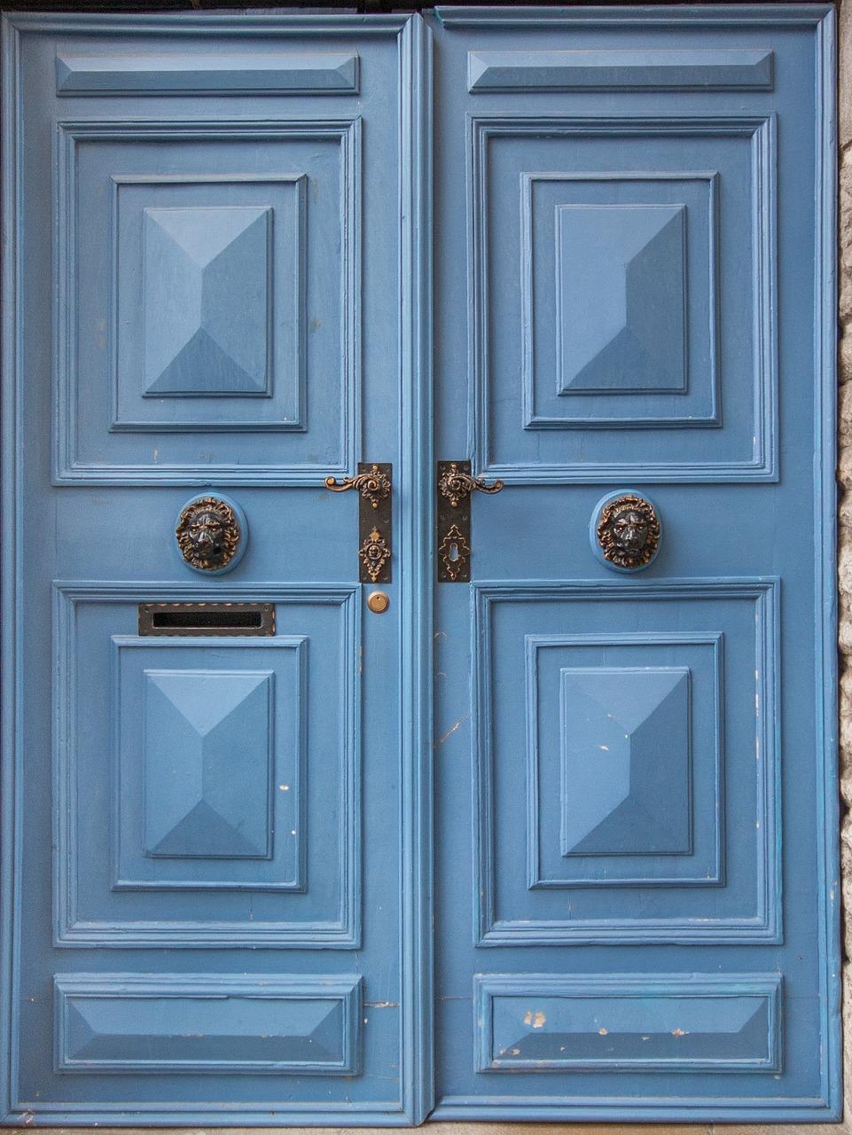 doors-1603350_1280.jpg