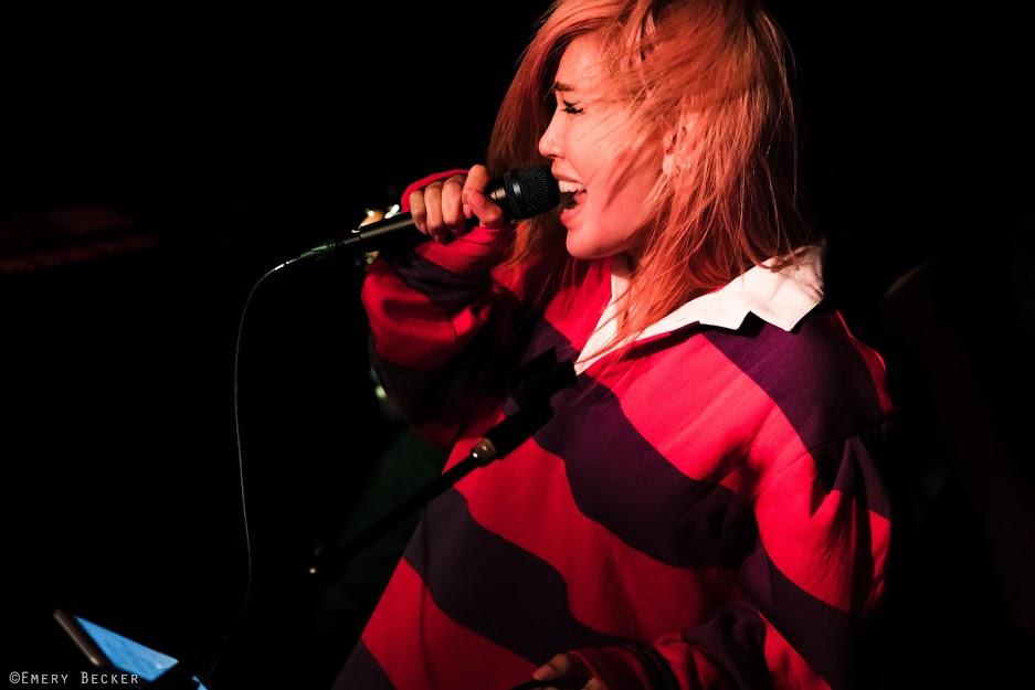 JANET JELENA - LEAD VOCALS